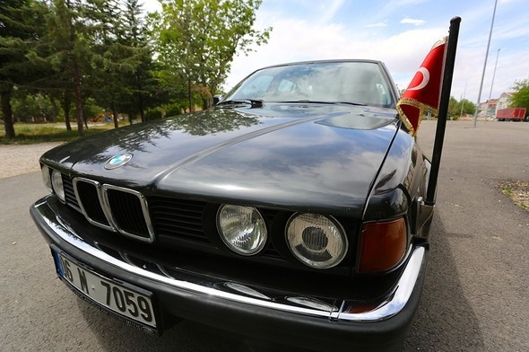 Turgut Özal'ın otomobili satışa çıkarıldı