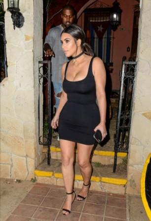 Kardashian ailesi Küba'da gördükleri ilgi...
