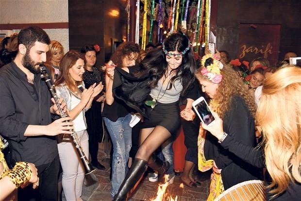 Deniz Çakır'dan en ateşli kutlama