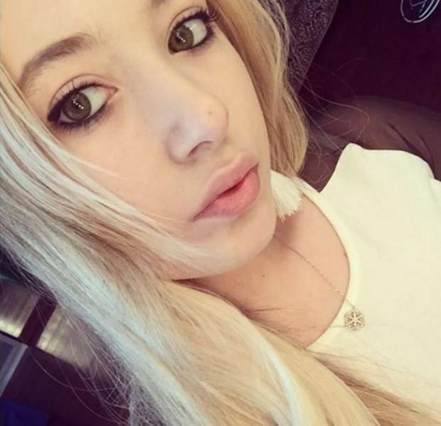 Yasmin Erbil, şarkıcı Ertunç'la aşk yaşıyor!