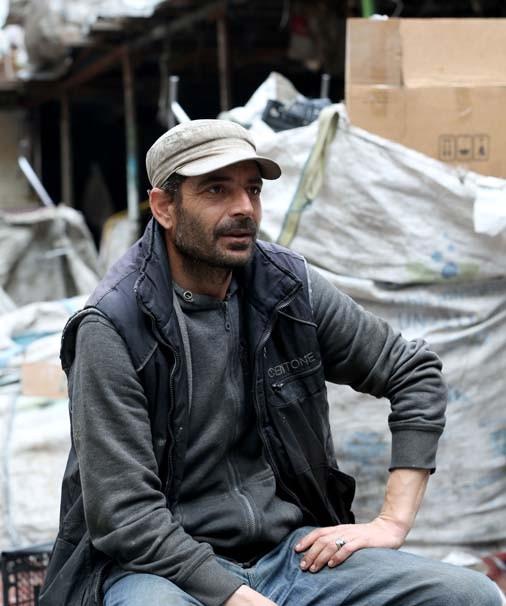 5 dil bilen Suriyeli kağıt toplayarak ekmeğini kazanıyor - Resim: 1