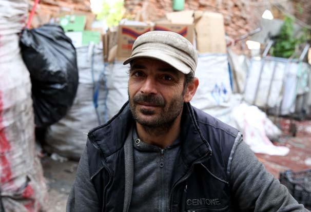 5 dil bilen Suriyeli kağıt toplayarak ekmeğini kazanıyor - Resim: 3