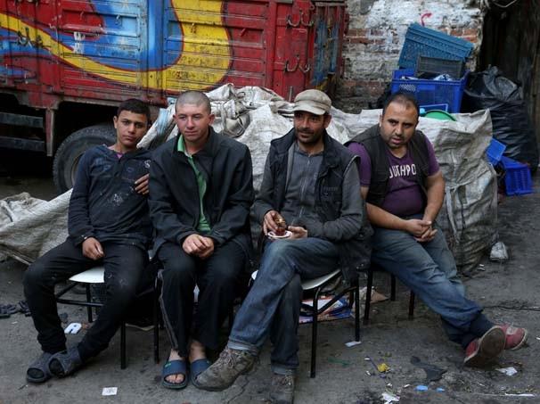 5 dil bilen Suriyeli kağıt toplayarak ekmeğini kazanıyor - Resim: 4