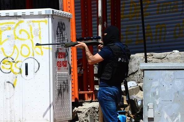 Şırnak'ta 2 mahallede operasyonlar sürüyor