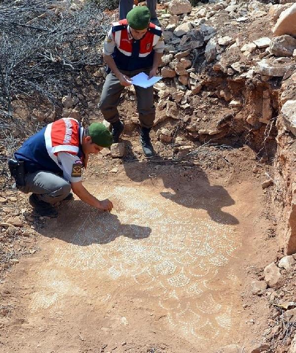 Kaçak kazıda Bizans kilisesi bulundu