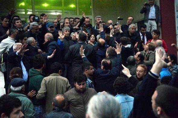 Sinop'ta konferans gerginliği