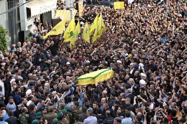 Hizbullah komutanının cenazesine binlerce kişi katıldı