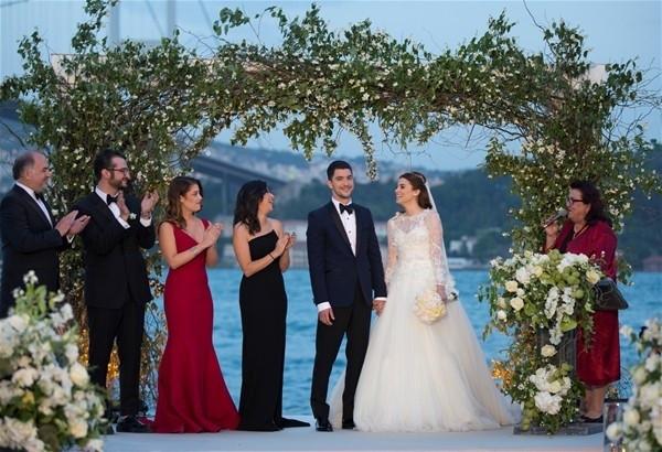 Ezgi Eyüboğlu evlendi