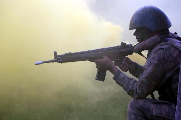 Komandoların nefen kesen eğitimi