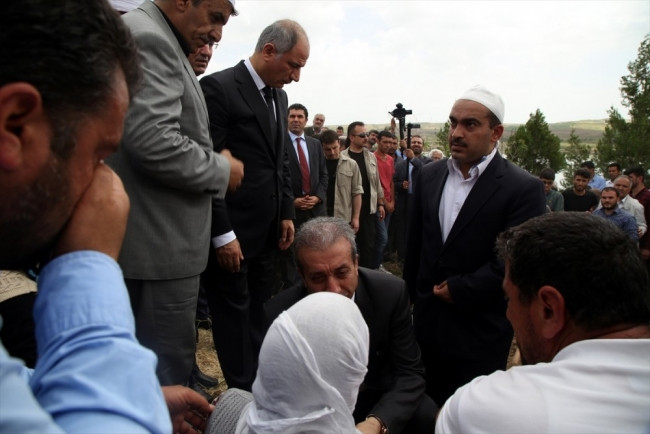 Mehdi Eker gözyaşlarını tutamadı