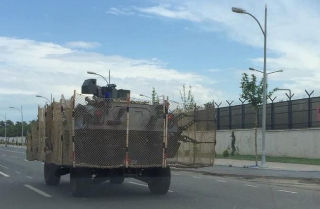 Zırhlı araca ek önlem !