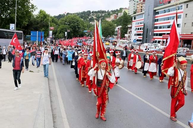 Gençlik ve Fetih Şöleni büyük yürüyüşle başladı