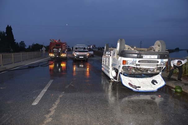 Tarım işçilerini taşıyan kamyon kaza yaptı: 7 yaralı