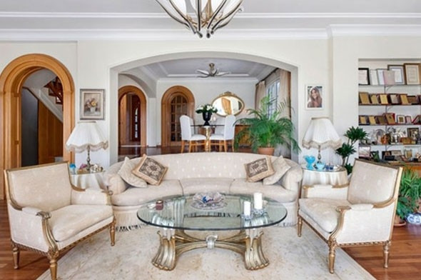 Türkan Şoray evini sattı