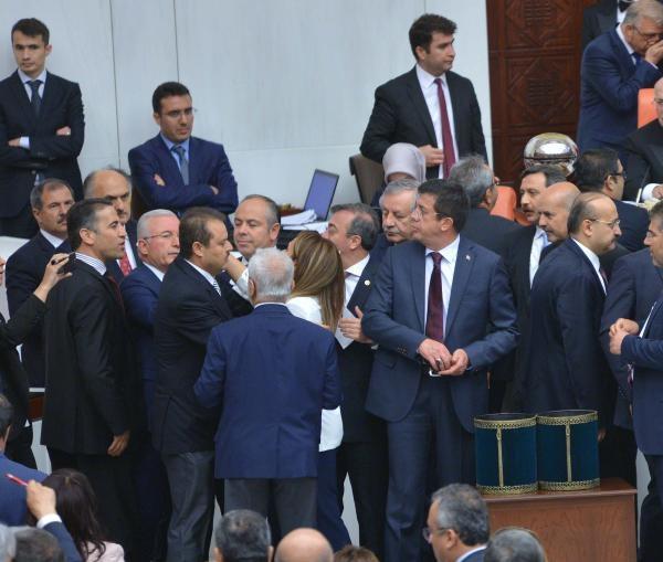 Dokunulmazlık teklifi Meclis'ten geçti !