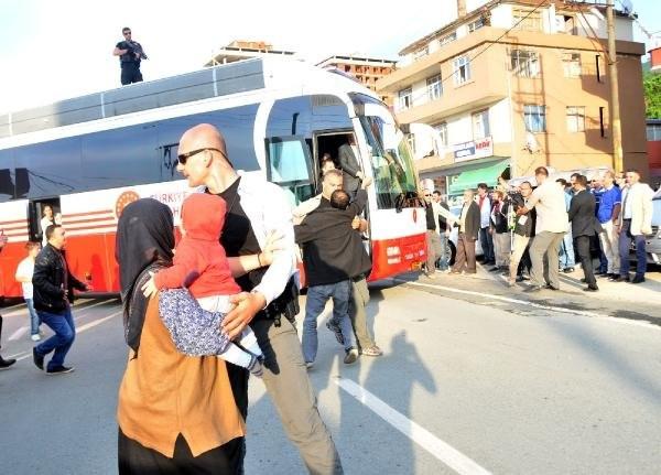 Kucağında torunuyla Erdoğan'ın önüne çıktı