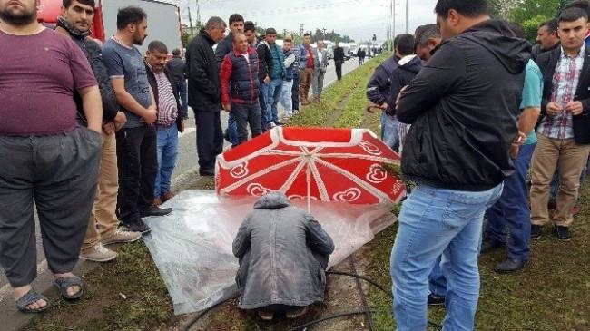Ölümlü Trafik Kazasında Vatandaşlar Yolu Trafiğe Kapattı