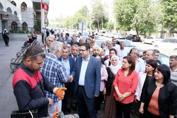 Sur ilçesine giden HDP'lilere soğuk duş