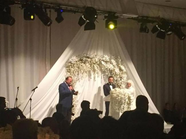 Cübbeli Ahmet'ten düğün açıklaması: Gelinlik giymesine rızam yoktur