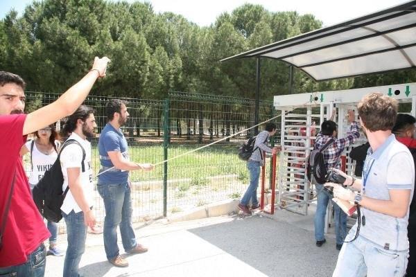 Ege Üniversitesi karıştı: 17 gözaltı