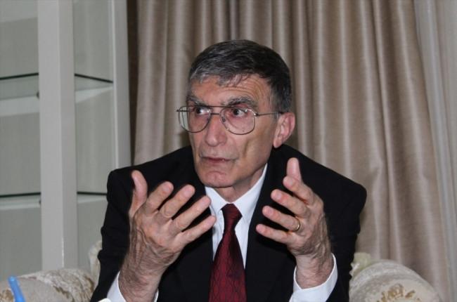 Prof. Dr. Aziz Sancar eline kına yaktı bakın neden!