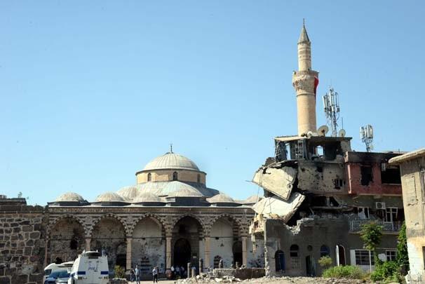 İşte Sur'un sembolü Kurşunlu Camii'nin son hali