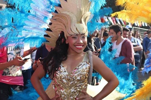 Rio Karnavalı değil Kiraz Festivali