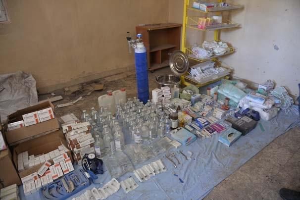 Nusaybin'de teröristlerin ilaç deposu bulundu