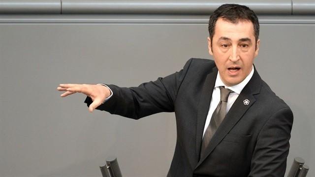 Almanya'da soykırıma evet diyen Türk vekiller!