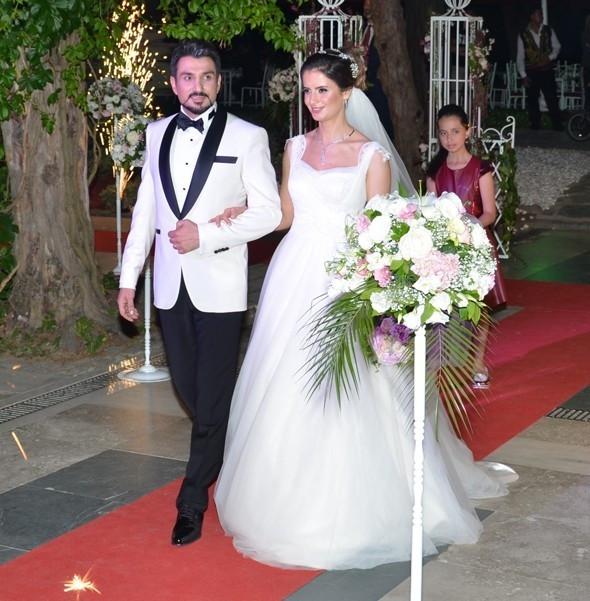 Fenomen dizi Kurtlar Vadisi'nin oyuncusu evlendi!