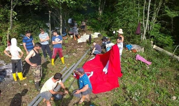 820 metre rakımlı tepeye Türk bayrağı asıldı