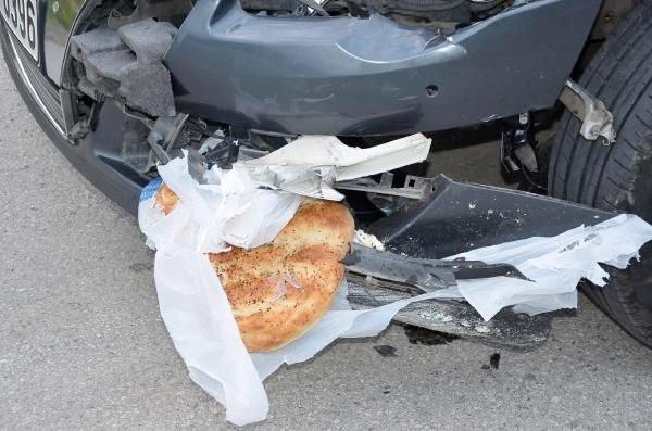 Sakarya'daki feci kazada yürek burkan görüntü !