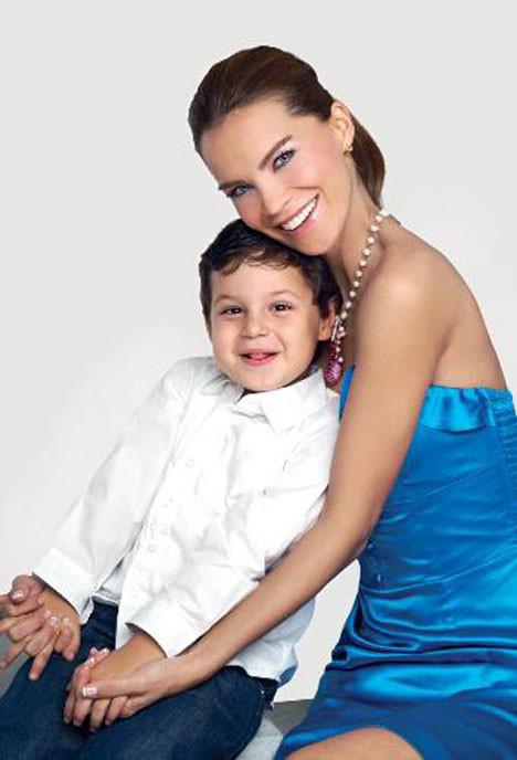 Ebru Şallı Tan ve oğlu Berke