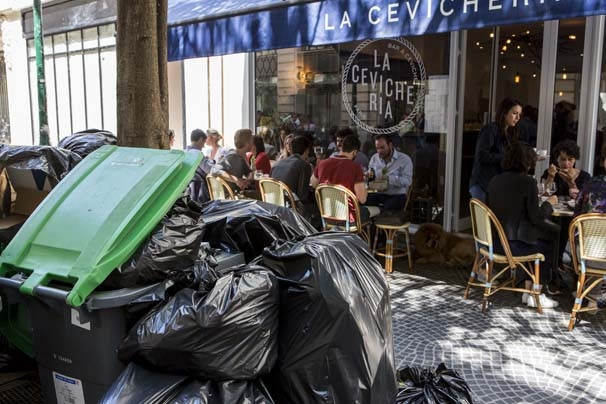 Avrupa'nın merkezi çöplüğe döndü