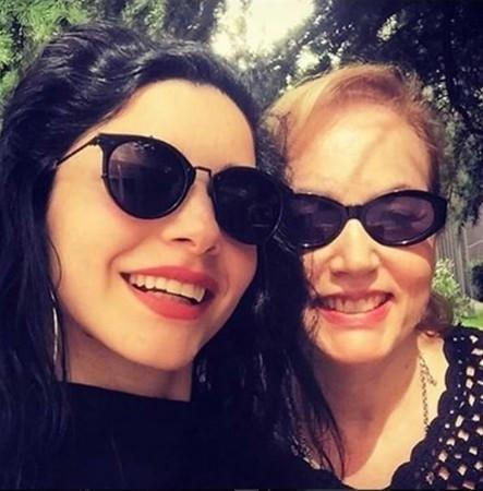 Ünlülerin anneleri