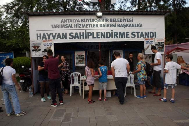 Büyükşehir Rahmet Ayında Sokak Hayvanlarını Unutmadı