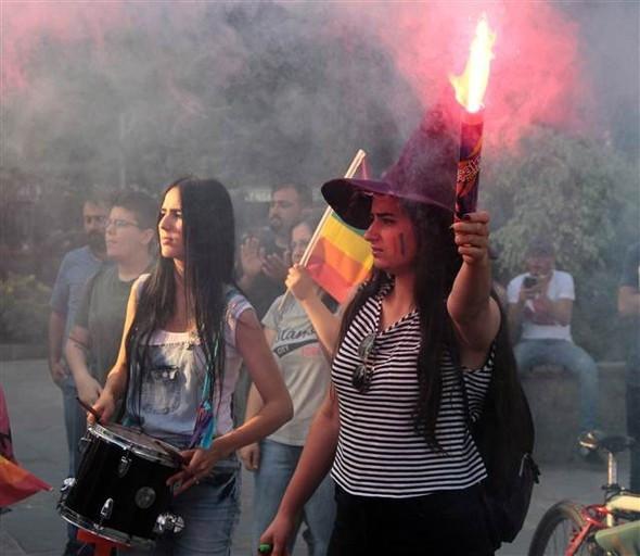 Adana ABD'deki katliam için toplandı