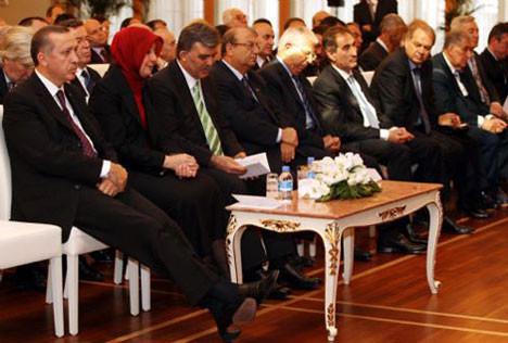 Başbakan Erdoğan uyuyakaldı