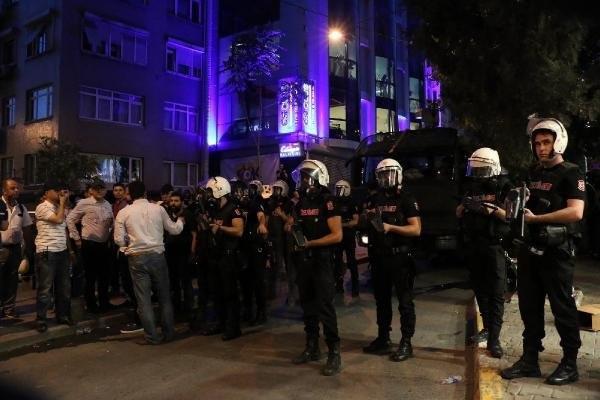 Beyoğlu'nda Firuzağa protestosuna polis müdahalesi