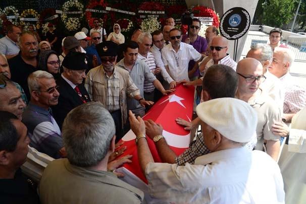 Yaşar Nuri Öztürk toprağa verildi