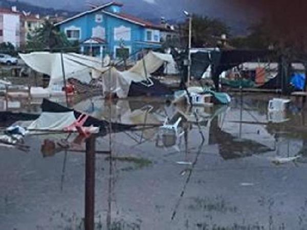 Yağış ve fırtına hayatı olumsuz etkiledi