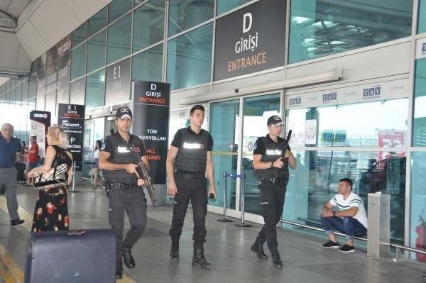 Atatürk Havalimanı'nda Güvenlik En Üst Düzeyde