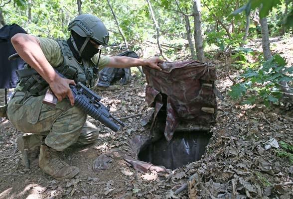 PKK'nın 250 metrekare 4 odalı sığınağı