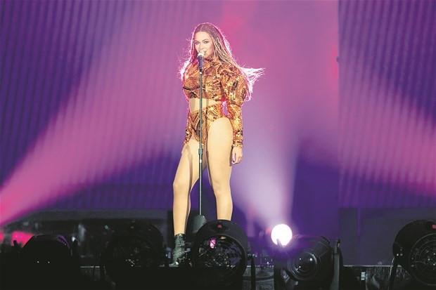 Beyonce nefesleri kesti !