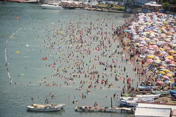 Amasra'da plajlar tıklım tıklım