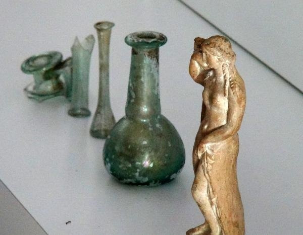 İstanbul'da 2 bin yıllık afrodit heykeli yakalandı