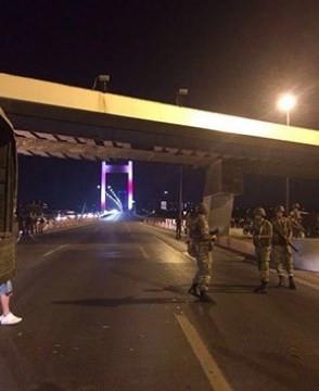 Asker Boğaziçi Köprüsü'nü ve FSM'yi kapattı