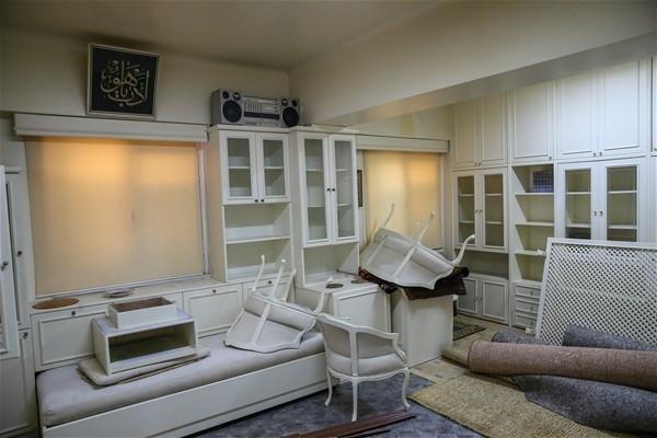 Polis Fethullah Gülen'in odasına girdi