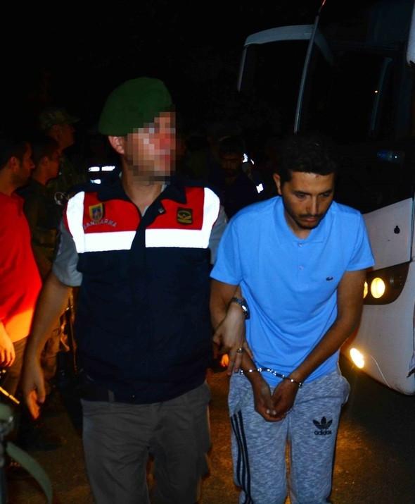 Firari 11 asker yakalandı !