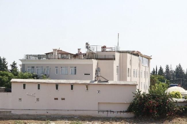 FETÖ'den okul çatı katında lüks hayat